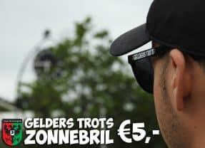 Nieuwe zonnebril te koop bij de Deur Rij Mert on tour!